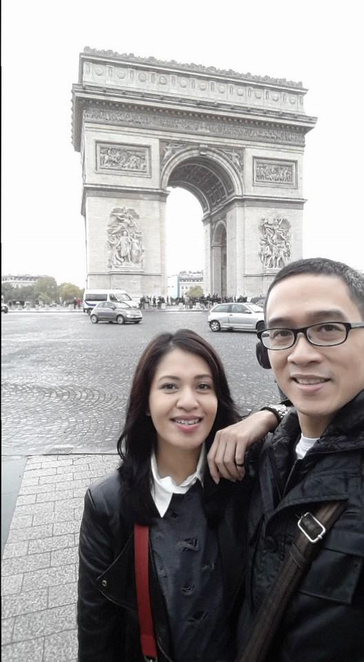 Selfie dulu sebelum menyeberang