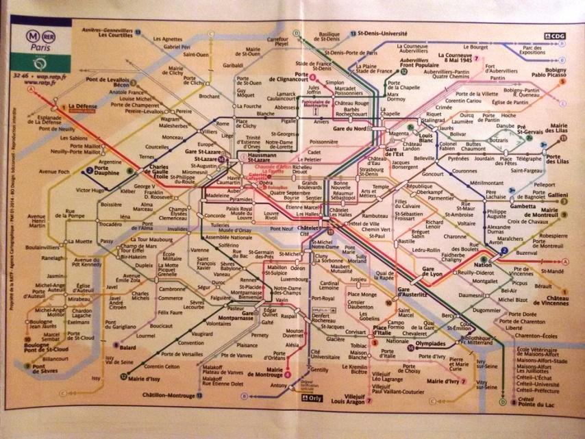 Peta jaringan Metro Paris yang sangat ekstensif. Kamu beneran bisa ke mana aja naik Metro.