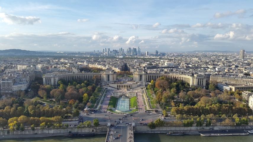 Pemandangan dari puncak Eiffel Tower