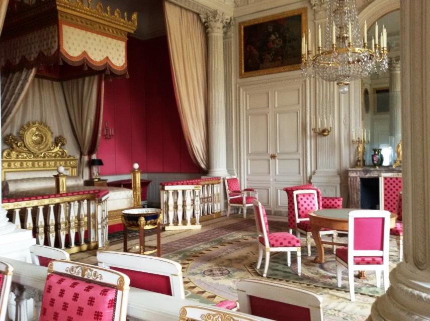Sisi lain kamar ratu di rumah musim panas