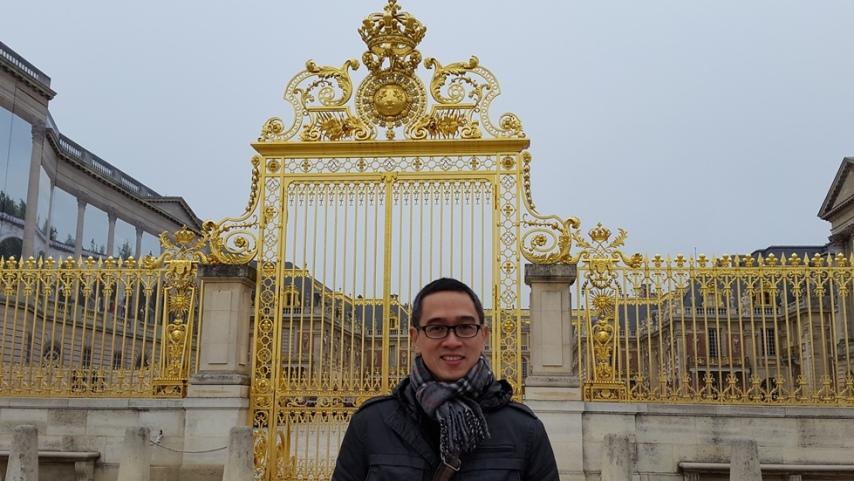 Gerbang depan Versailles Palace